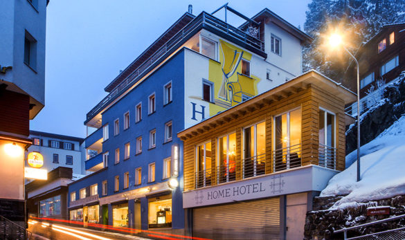 Home hotel Arosa in winter